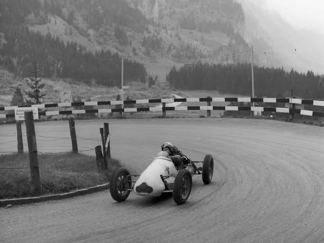 Müller beim Autorennen Mitholz-Kandersteg im Jahr 1961.