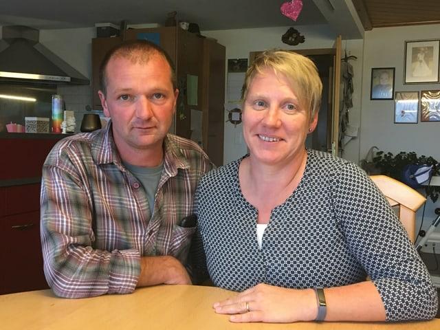 Das Luzerner Landwirtepaar Stefan und Astrid Murpf.