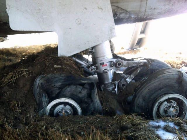 Der Fahrwerk des verunfallten Flugzeuges.