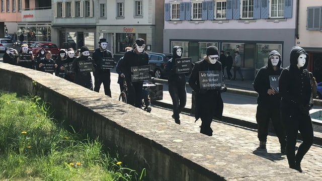 Gegnerinnen und Gegner der Corona-Massnahmen in Altdorf.