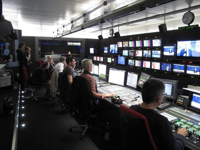 Video-Regie der «Tagesschau» in vollem Betrieb.