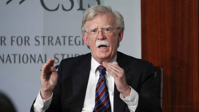 Der ehemalige Sicherheitsberater John Bolton hat Kenntnis über die Ereignisse in der Ukraine-Affäre.
