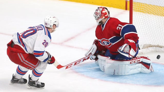 New Yorks Chris Kreider bezwingt Montreals-Keeper Carey Price zum dritten Mal.