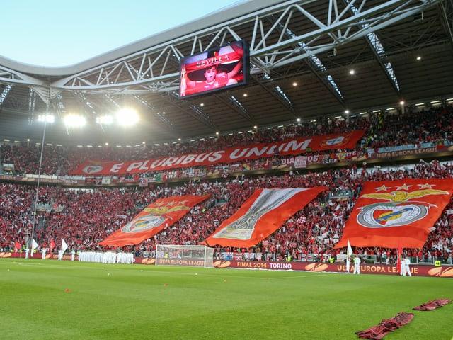Choreo von Fans von Benfica Lissabon.