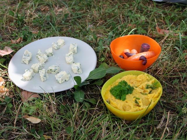 Kräuterbutter und Rüeblihummus