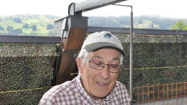 Paul Nebel giauda sia vita da pensiun a Putz.