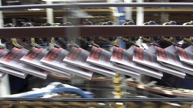 Zeitungen auf der Druckmaschine