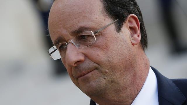 Nachdenklicher François Hollande
