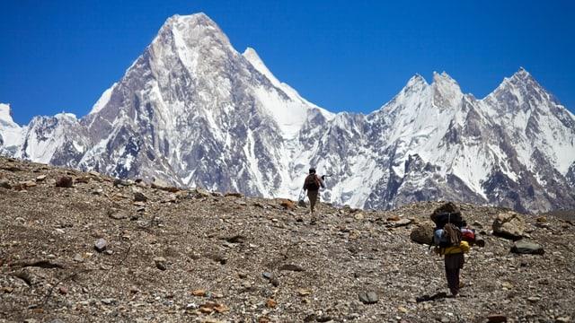 K2, la segund'auta muntogna dil mund.