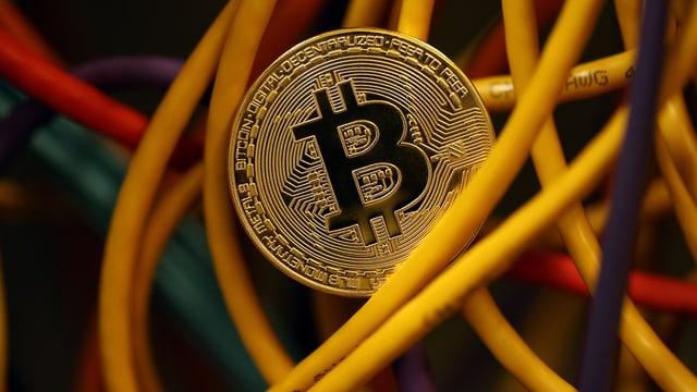 Bitcoin im Kabelsalat.