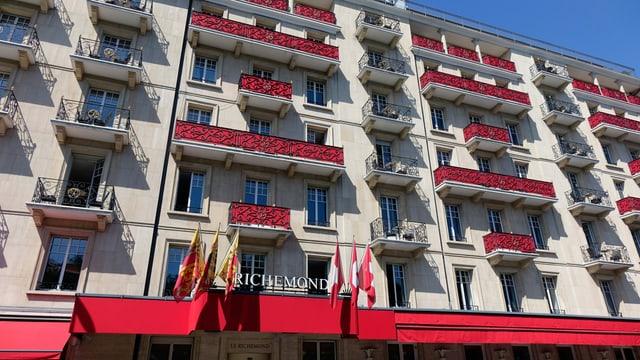 Fassade des Hotels Richemond.