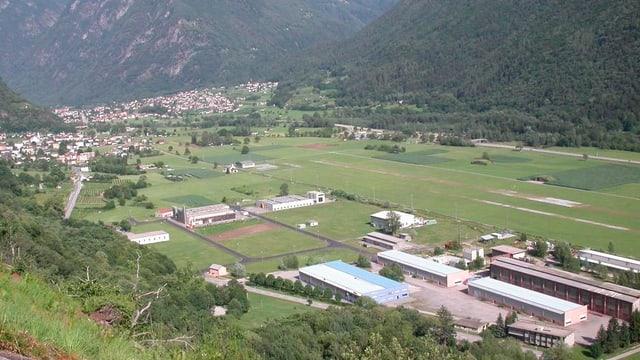 vista sin l'anteriura plazza aviatica a San Vittore, da stad