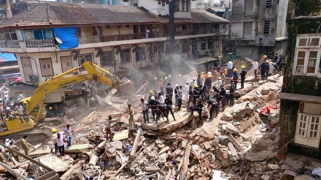 Eingestürztes Wohnhaus in Mumbai.