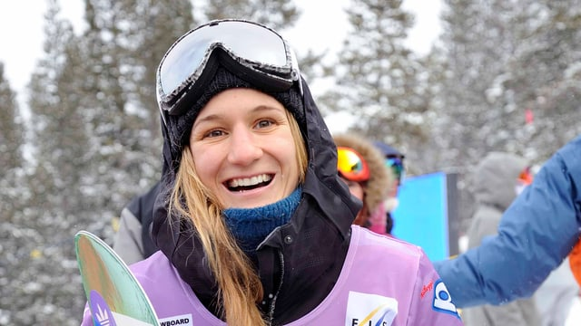 Isabel Derungs strahlt nach ihrem Sieg in Copper Mountain.