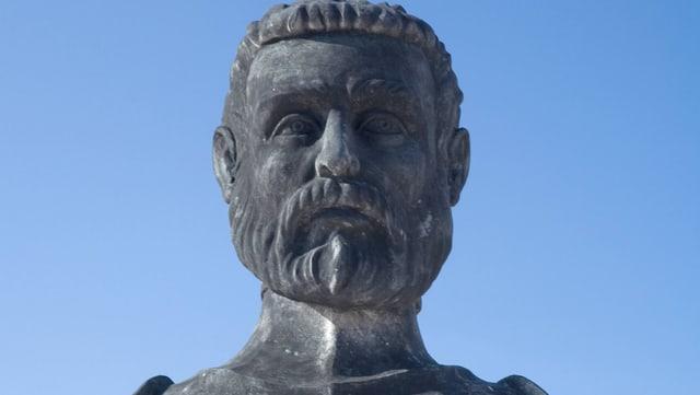 Statue eines Kämpfers.