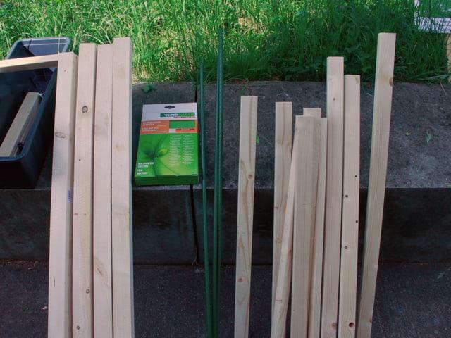 Material, Bauplastik, Holzlatte, Stange