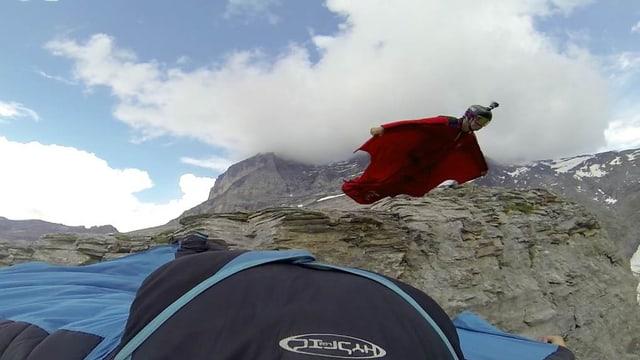 Video «Wingsuit – Der Sprung am Eiger» abspielen