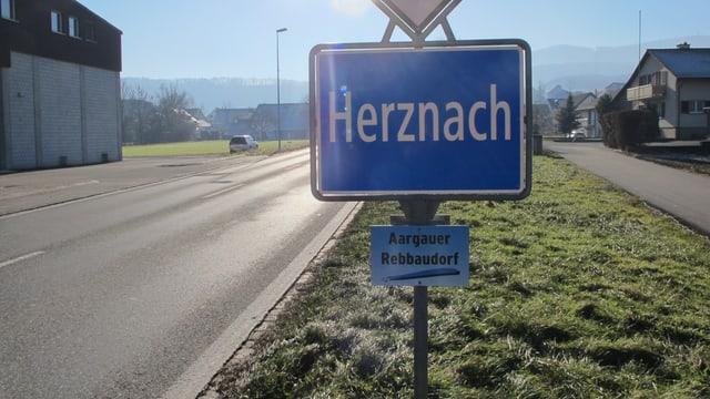 Ortstafel von Herznach