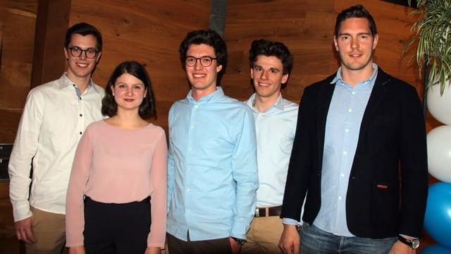 Ils candidats liberaldemocrats giuvens: Yannik Gartmann, Flavia Aebli, Gian Donatsch, Nino Fontana e Nico Züllig (da sen.)