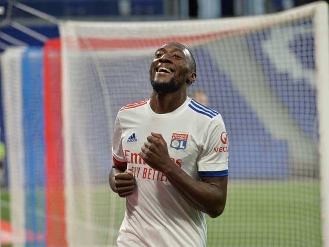 Der 27-jährige Lyon-Stürmer sieht dem Viertelfinal gegen Man City durchaus gelassen entgegen.