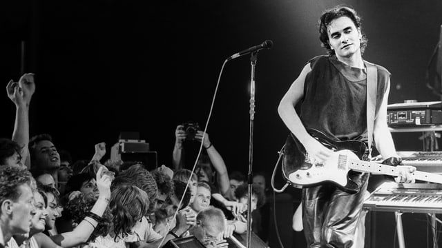 Stephan Eicher auf der Bühne in Montreux.