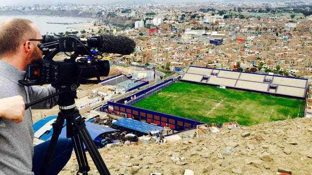 Dominic Hiss filmt die Metropole Lima