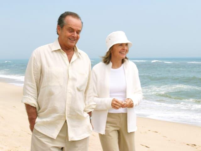 Mann und Frau am Strand.