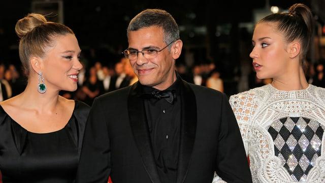 In Abendroben auf dem roten Teppich von Cannes: die Schauspielerinnen Léa Seydoux und Adèle Exarchopoulos und Regisseur Abdellatif Kechiche