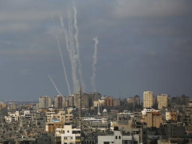 Raketen werden aus Gaza heraus Richtung Israel abgefeuert