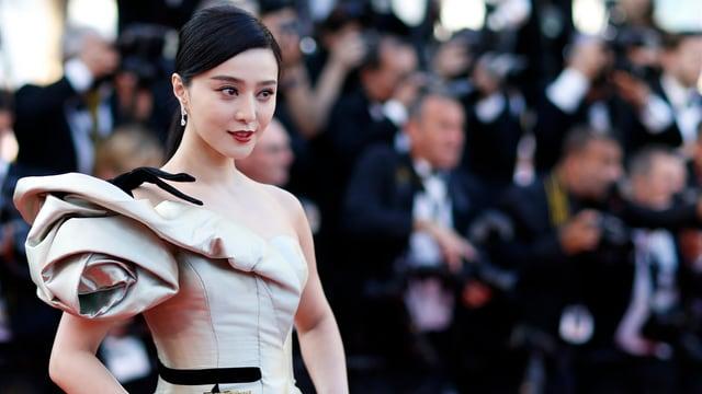 Die chinesische Schauspielerin Fan Bingbing in einem Abendkleid.