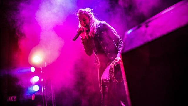 Maria Zurbriggen auf der Bühne.