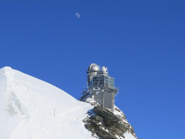 Gebäude im Schnee