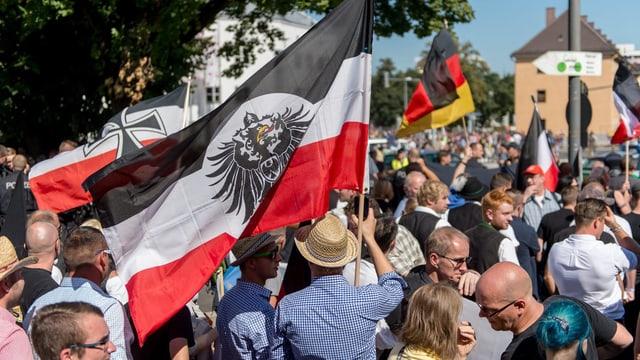 Rechsextreme demonstrieren in Rosenheim.