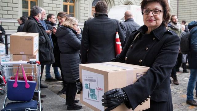 SP-Ständerätin Anita Fetz bei der Einreichung der Unterschriften im Dezember 2017.