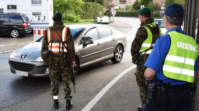 Die Armee unterstützt die Grenzwache bei ihrer Arbeit.