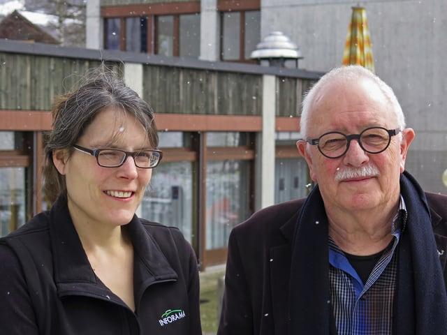 Christine Wespi und Heinrich Schütz blicken in die Kamera.