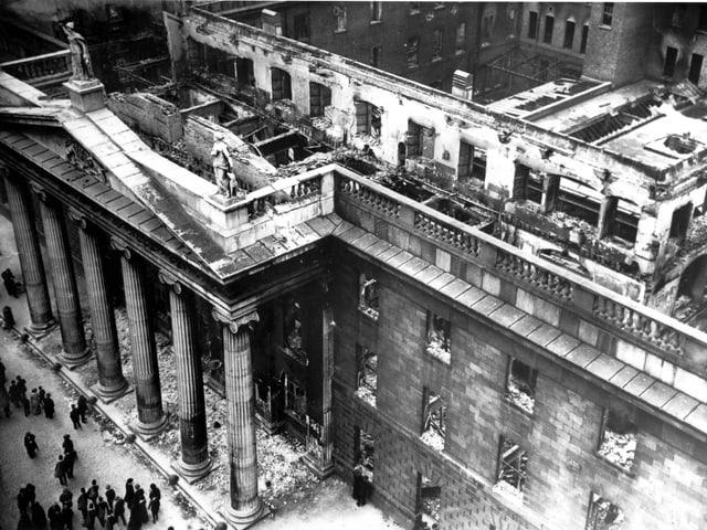 Das teilweise zerstörte Hauptpostamt in Dublin.