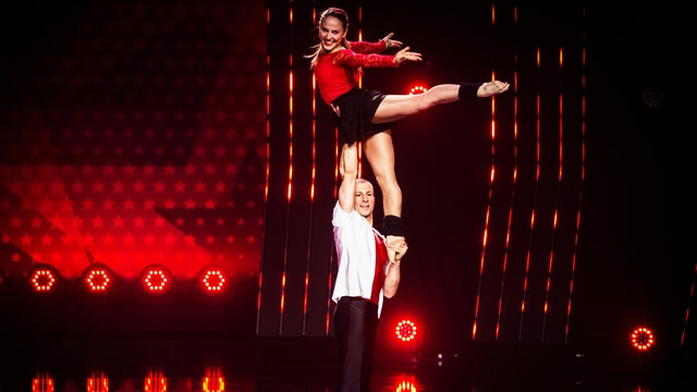 Fabien und Ioulia auf der Bühne.