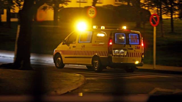 Eine Ambulanz brachte den Nigerianer in die Quarantäne-Station eines Spital