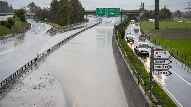 Die Autobahn als Überlaufbecken: Im Kanton Uri hat der Hochwasserschutz funktioniert.