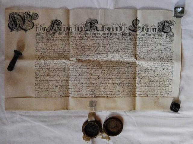 historisches Schriftstück mit Siegel