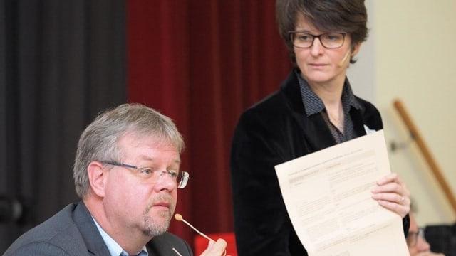 Il maletg mussa Frank Schuler e Cornelia Camichel Bromeis