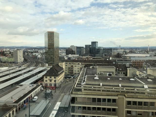 Vom 18. Stock des ehemaligen Swissôtels sieht man vom Bahnhof Oerlikon bis zu den Voralpen.