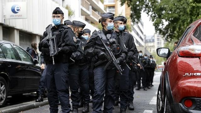 Purtret da policistas e polizists en Frantscha.