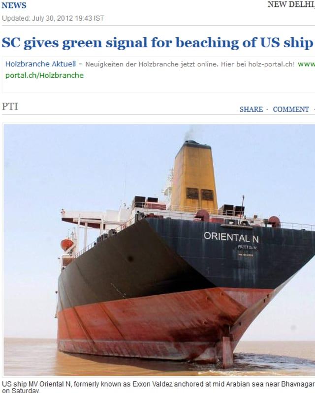 Ausschnitt von der Zeitung «The Hindu» mit einem Foto des Schiffs «Oriental N», das vor der indischen Küste abgewrackt werden sollte.