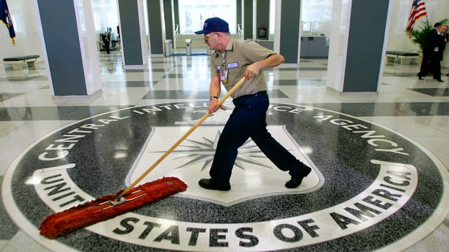 In um schubregia ils palantschieus dal servetschs secret CIA.