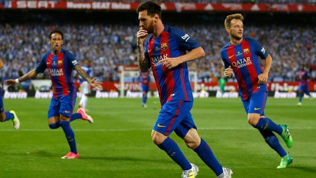 Messi jubelt mit Neymar und Rakitic