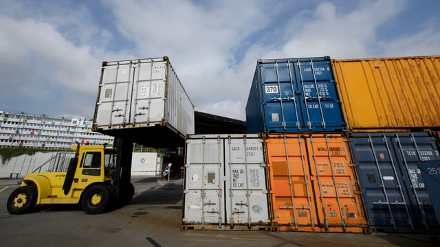Containers a Basilea.