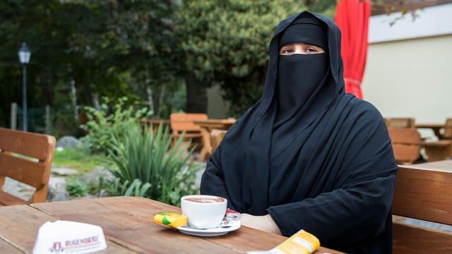 Auch der Zwang zur Verhüllung soll in der Schweiz verboten werden, wenn es nach den Initianten geht.