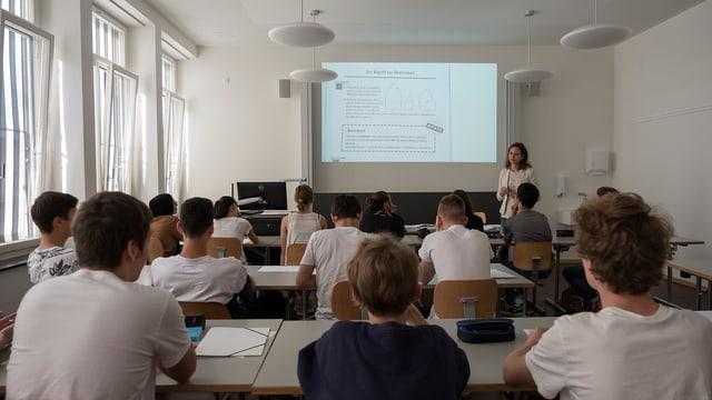 Ein Klassenzimmer im neuen Kirschgartenschulhaus.